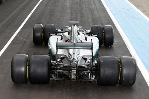 Mercedes и Феррари тестируют резину 2017 года