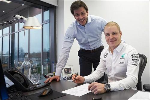 Боттас сменил Росберга вкоманде Mercedes